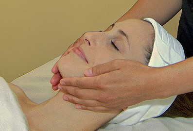 Facial Massage to Lose Weight In Your Face