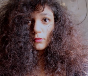 Home Remedies to Get rid of Frizzy Hair